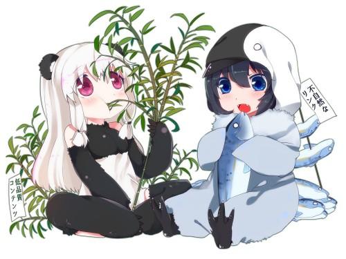 パンダアップデートたんとペンギンアップデートたんの食事風景。パンダたんは低品質なコンテンツが好物で、ペンギンたんは不自然なリンクを好んで食す。