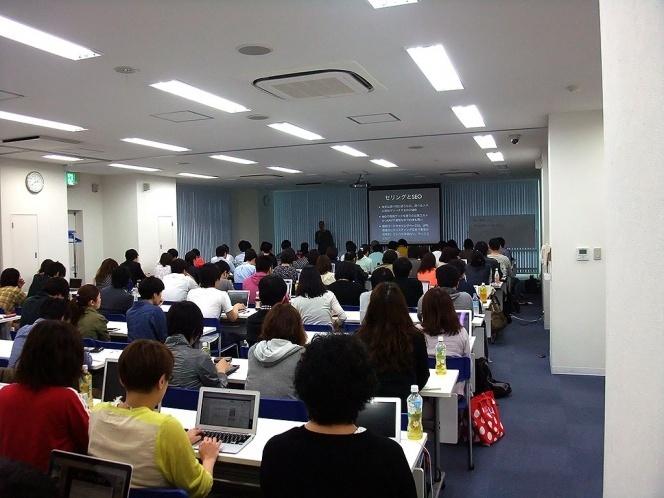 大阪の十三で開催された住太陽さんのセミナー会場